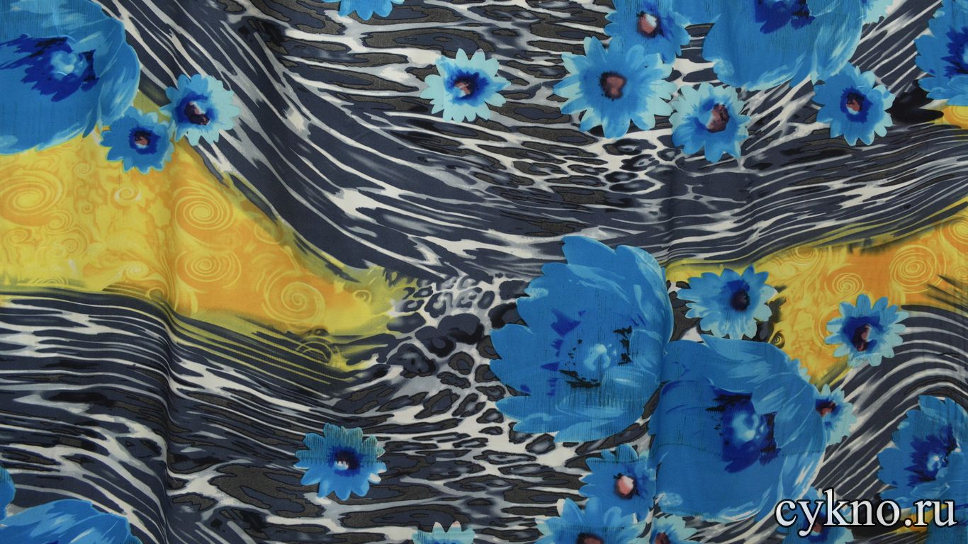 Атлас принт крупные цветы небесного цвета