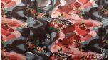 Атлас цветочный принт в темно-красных тонах