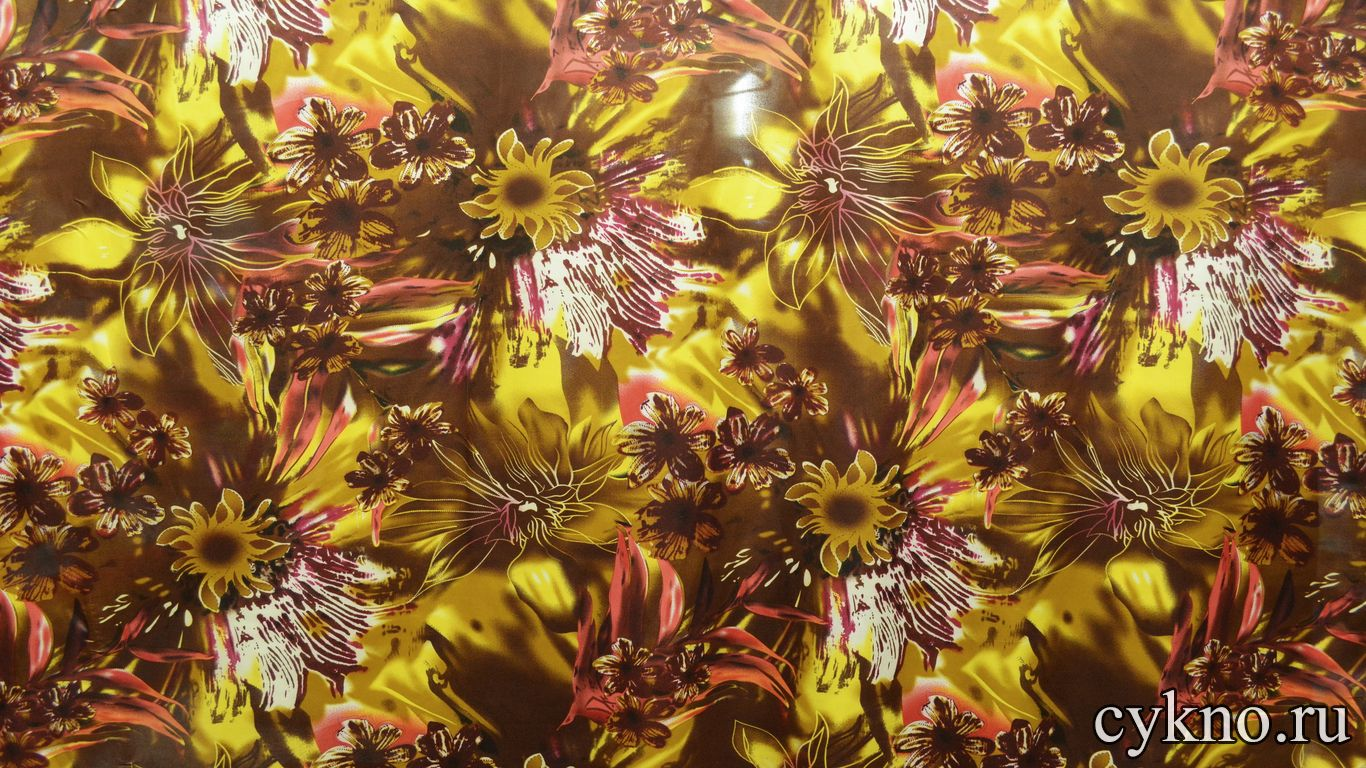 Атлас с цветочным принтом в желто-коричневом цвете