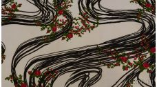 Креп шифон с цветочным узором и черными полосами