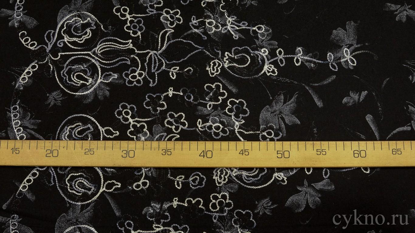 Ткань Твид черный с вышитым цветочным рисунком